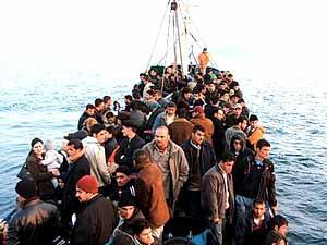 هجرة غير شرعية - ارشيفية