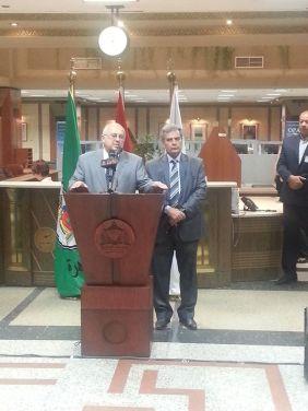 سراج الدين و نصار اثناء افتتاح سفارة المعرفة التابعة لمكتبة الاسكندرية بجامعة القاهرة