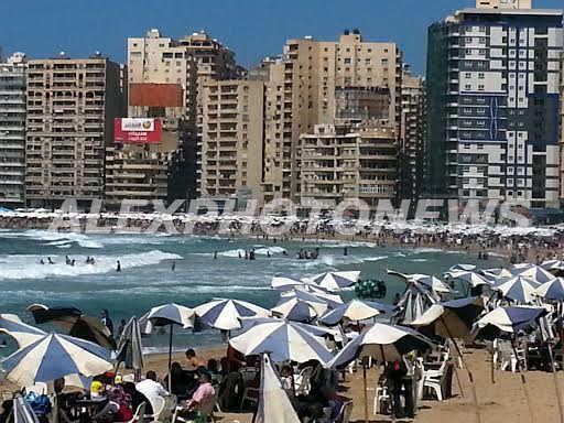 شواطئ الاسكندرية في شم النسيم