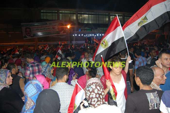 الاف الاسر السكندرية تحتفل بافتتاح قناة السويس الجديدة